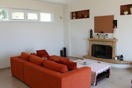 1SG312016 Sunny maisonette in Xilokastro - House