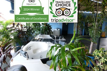"Three times ""certificate of excellence"" winner - Krong Siem Reap - Szoba reggelivel"