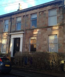 Cosy wee flat in listed townhouse - Glasgow