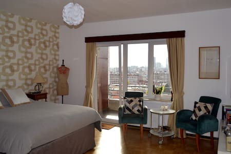 Spacious room in Brussels - Koekelberg - Apartment