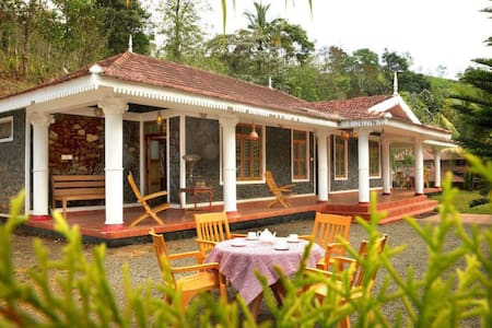 Cassells Resorts-Where you get complete relaxation - Vandiperiyar - (ukendt)