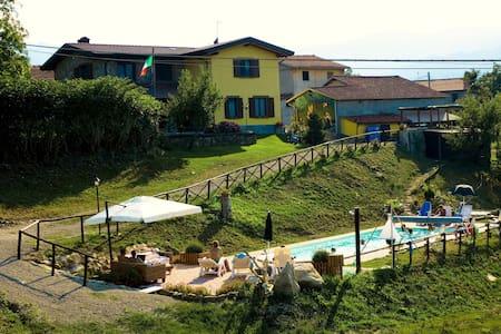Casale con piscina affitto LUGLIO - Corniglio - Villa