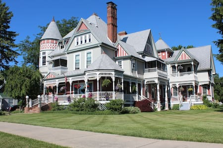 The Heather House - Bed & Breakfast