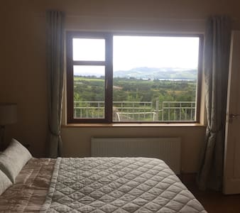 Relaxing Lake view double room En-suite - Kerry - House