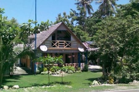 Buco Beach lodge and resto - Chalet