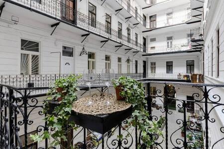 Loft Studio in the Heart of Budapest - Budapest - Apartment