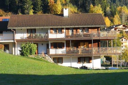 B&B Laax GR il Vitturin - Alpenrose - Bed & Breakfast