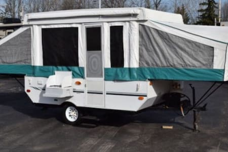 Pop UpTent Camper with cold a/c! - Camper/RV