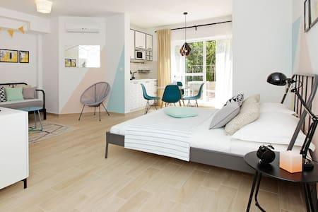 Carefully decorated & great located app ZORICA 5 - Leilighet