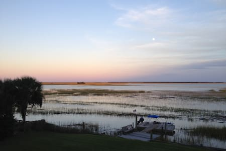 Close to Charleston and beaches. Water views. - Mount Pleasant
