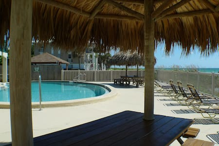 Tranquility directly on the Beach with Gulf view - Belleair Beach