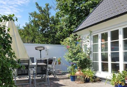 Bo nära havet i Brantevik på Österlen - Bed & Breakfast