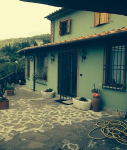 Bella casa in collina con panorama - Vaiano  - Haus