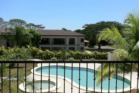 Room type: Entire home/apt Property type: Condominium Accommodates: 6 Bedrooms: 3 Bathrooms: 2