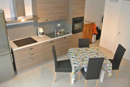 Appartamento nuovo, zona tranquilla - Roncegno - Apartamento