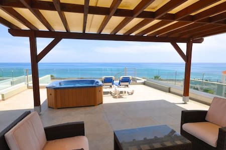360° SEE VIEW apartment with jacuzzi on the roof - Perivolia