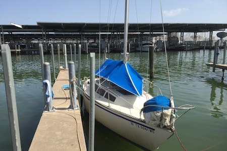 Cozy Sailboat at Galveston Yacht Club - Galveston - Bateau