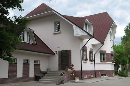Уютные комнаты в загородном доме - Razmetelevo - Gæstehus
