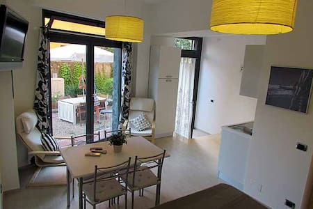 Monolocale PALMA con Giardino - Apartment