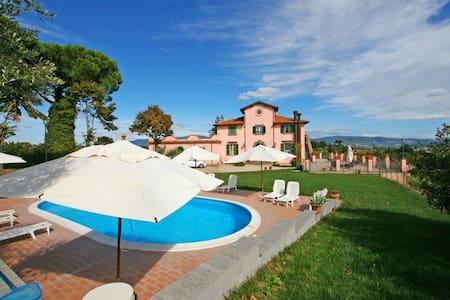 Villa Torriti con piscina e wifi - Civitella D'agliano