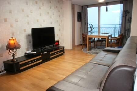 속초 최고 전망의 투룸 아파트 Oceanview 2 room(14층) - Sokcho-si