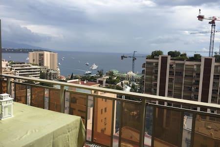 IN MONACO overlooking Casino, terrace w/ sea view - Monaco - Apartment