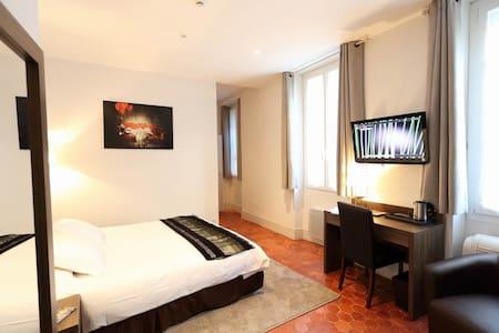 Chambre tout confort dans hôtel particulier - Dům pro hosty