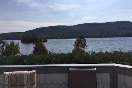 Lakefront condo w/ boat slip, pool! - 레이크 조지(Lake George)