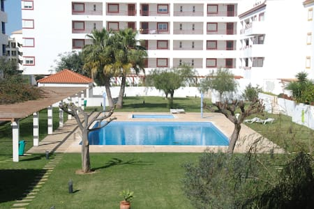 Vilamoura center apartment with terrace and pool. - Wohnung