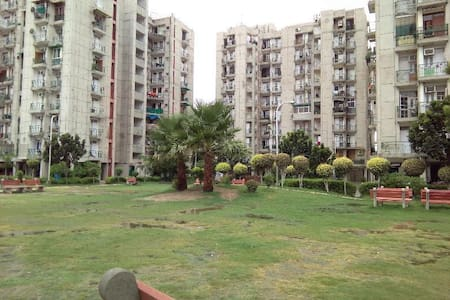 1 to 4 rooms in beautiful Multi-storey in Noida - Apartment
