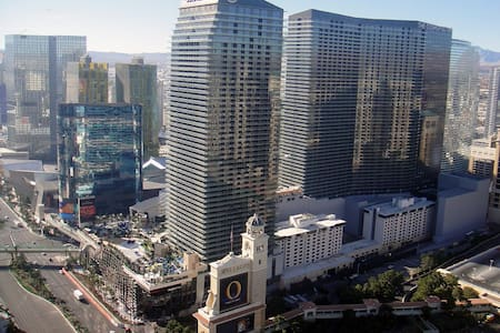 2 bedrooms, 2 baths on the Strip - Las Vegas - Appartement en résidence