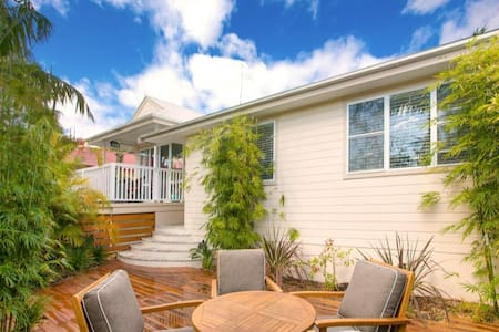 3 Bedroom House in North Manly - Hus