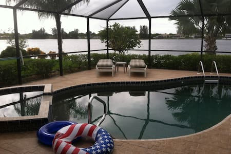Lake House - Cape Coral - House