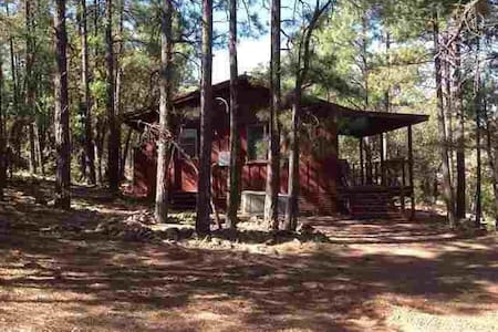 Cozy, Tranquil, Romantic Cabin in Pinetop! - Pinetop-Lakeside - Cabaña
