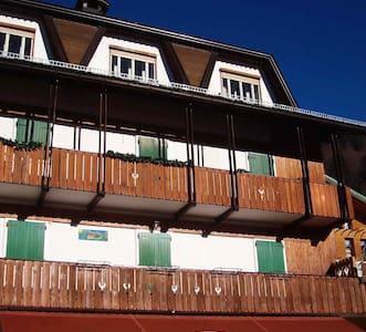 Ampio attico per famiglie numerose - Sappada - Lägenhet