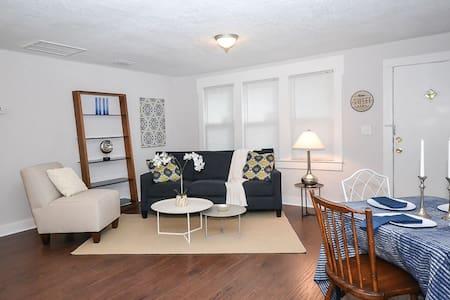 Freshly Remodeled Home! - Jacksonville - House