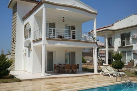 Villa Sultan, Atatürk Mah. Sok. 3053 Akbük Didim - Akbük
