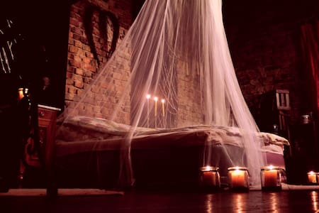 Romantisches Scheunenbett - Loteng