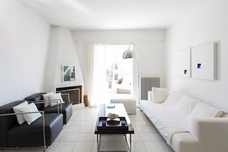 White & minimal apartment - Μαρούσι