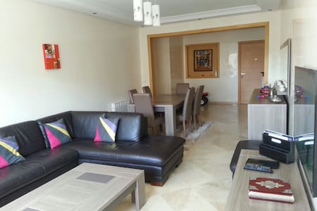 Large Flat on the park (131 sqm) 10 min from beach - Pis
