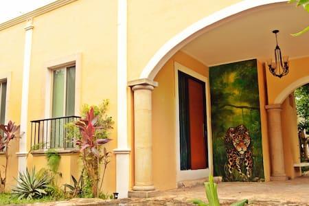 casa jaguar- - Izamal - House
