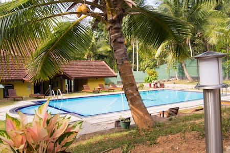 Resort Like No Other, luxurious cabana room - Gampaha - Boutique hotel