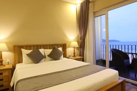 Superior room sea view with balcony - Szoba reggelivel