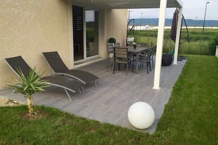 Chambre spacieuse avec sdb privée - Certines - Villa