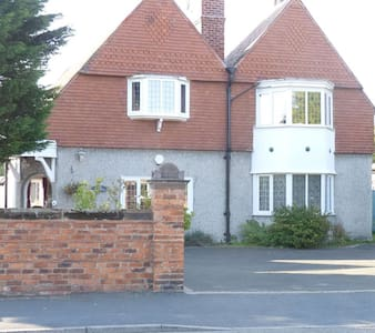 Edwardian Villa close to Liverpool City Centre - Meols - Dom