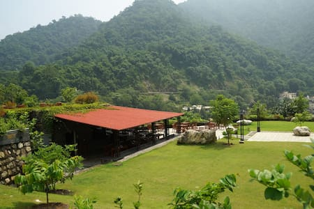 1 BR apartment - Scenic Himalayas and Ganges - Rishikesh - Appartement