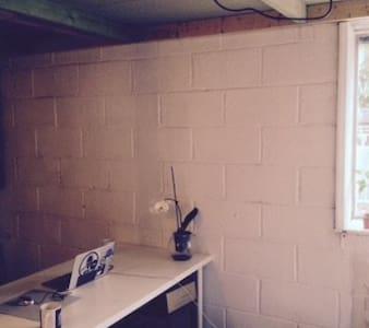 Large Double Room/studio space - Londres - Loft