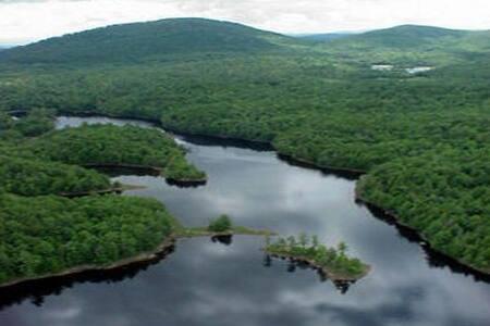 Estate with Large Private Lake and Islands - Moriah - Allotjament sostenible a la natura