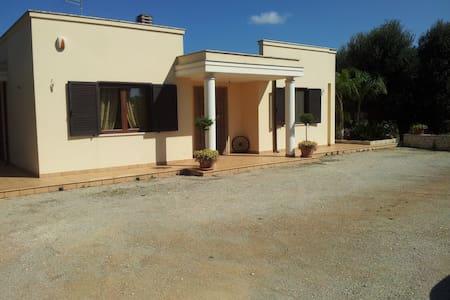 Le Tre Palme Ostuni - San Michele Salentino - House