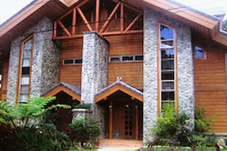 Camp John Hay Luxury house 4 rent2 - Kabin